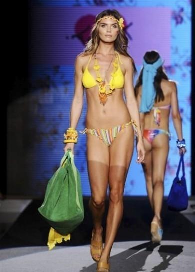Moda mare tezuk estate costumi da bagno bikini giallo - Fila costumi da bagno ...