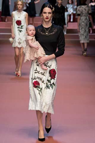 Dolce-Gabbana-autunno-inverno-2015-2016-donna-17