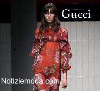 Collezione Gucci autunno inverno 2015 2016 abbigliamento Gucci online  accessori Gucci donna in catalogo Gucci 2015 2016. Collezione Gucci autunno  inverno ... a53a4ab59761