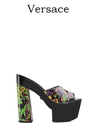 Scarpe-Versace-primavera-estate-2016-donna-look-30
