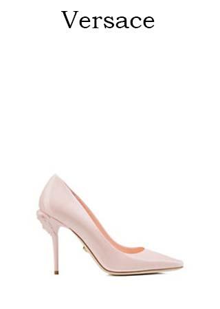 Scarpe-Versace-primavera-estate-2016-donna-look-35