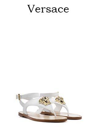 Scarpe-Versace-primavera-estate-2016-donna-look-36