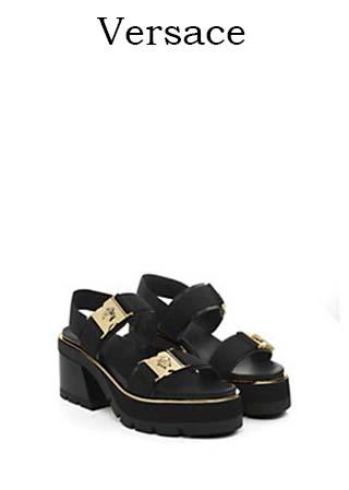 Scarpe-Versace-primavera-estate-2016-donna-look-45