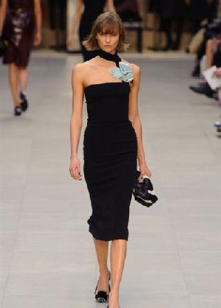 Burberry abiti autunno inverno moda donna 2013-2014