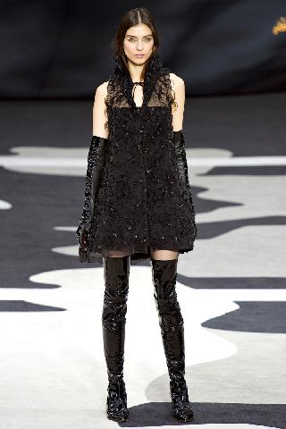 Marca Chanel tendenze abiti moda collezione autunno inverno