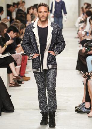 Marca Chanel tendenze collezione abbigliamento moda uomo