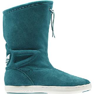 Scarpe Adidas Originals nelle vetrine moda donna autunno inverno 2013-2014