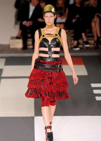Collezione Alexander McQueen primavera estate 2014 moda