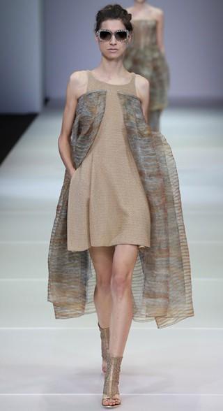 Giorgio-Armani-primavera-estate-2015-moda-donna