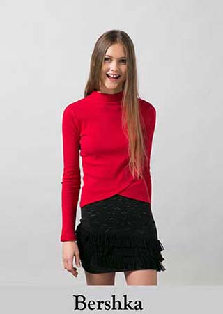 T-shirts-Bershka-inverno-2016-donna-e-ragazza-21