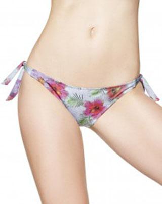 Moda-mare-Benetton-primavera-estate-2016-bikini-32