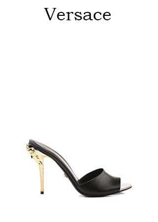 Scarpe-Versace-primavera-estate-2016-donna-look-23