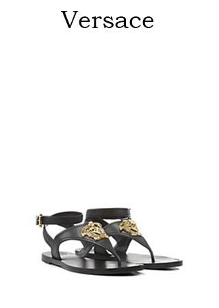 Scarpe-Versace-primavera-estate-2016-donna-look-37