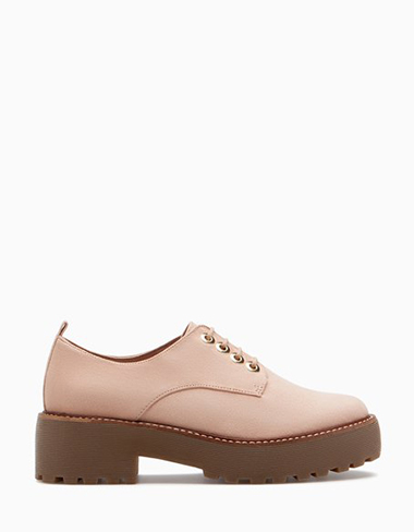 Scarpe-Stradivarius-primavera-estate-2016-donna-look-25