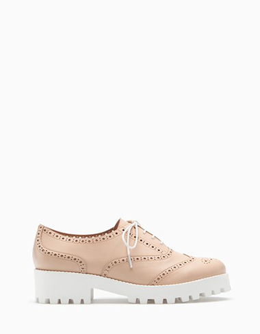 Scarpe-Stradivarius-primavera-estate-2016-donna-look-28