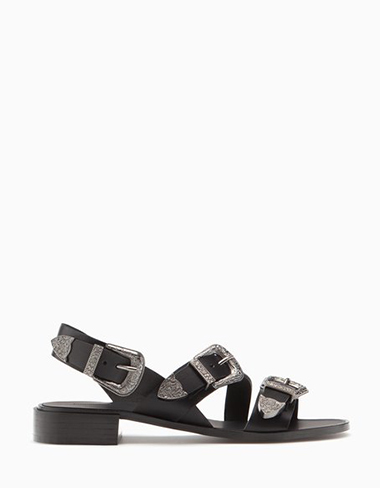 Scarpe-Stradivarius-primavera-estate-2016-donna-look-40