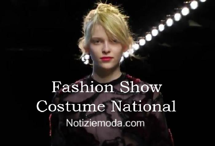 Sfilata Costume National autunno inverno 2016 2017 donna