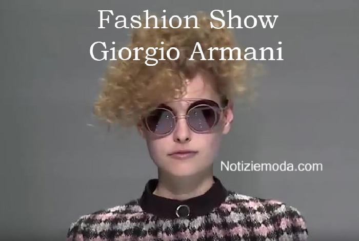 Sfilata Giorgio Armani autunno inverno 2016 2017 donna