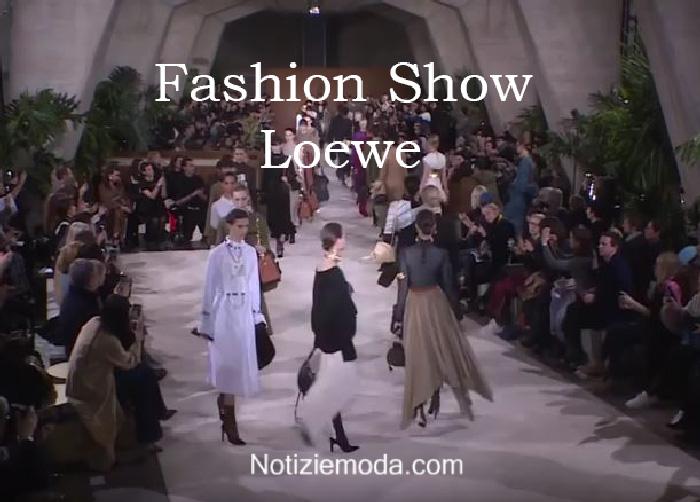 Sfilata Loewe autunno inverno 2016 2017 donna