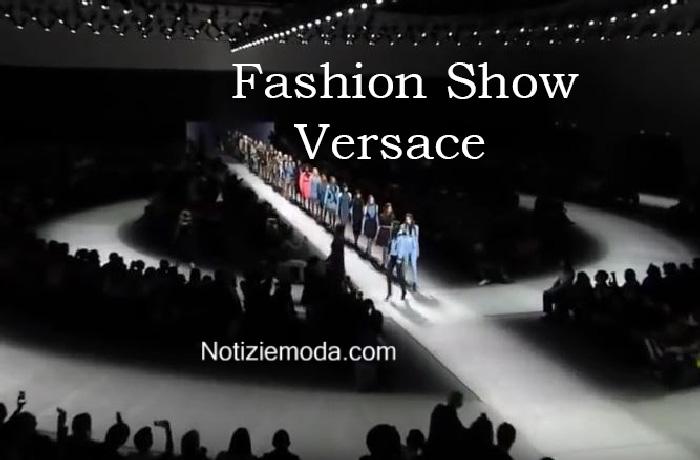 Sfilata Versace autunno inverno 2016 2017 donna