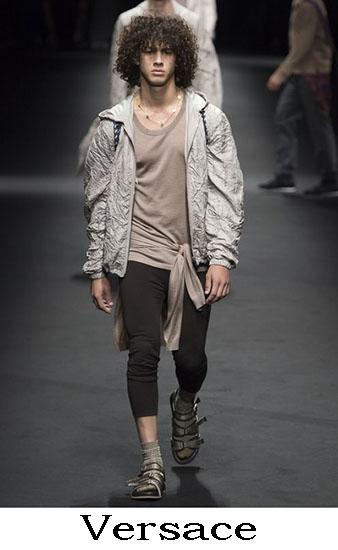 Versace Primavera Estate 2017 Abbigliamento Uomo 16