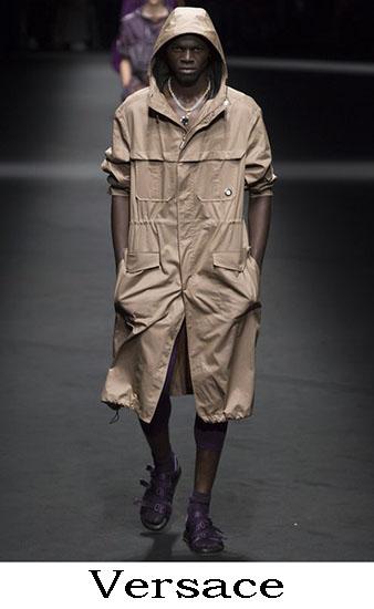 Versace Primavera Estate 2017 Abbigliamento Uomo 19