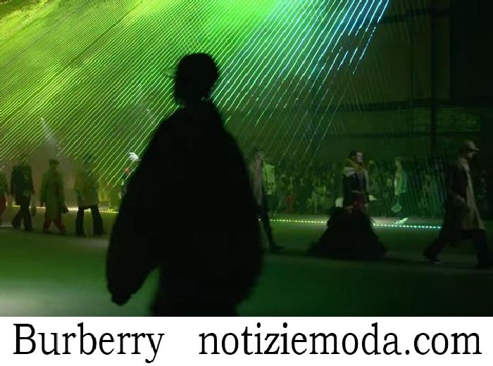 Sfilata Burberry Donna Autunno Inverno 2018 2019